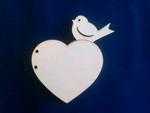 Scrapbook hart met vogel 11 x13,5 cm    per stuk