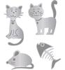 Katten met een muis en een visgraat