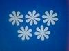 Bloemen dicht 5 stuks. Doorsnede 4 cm. 1,5 mm dik